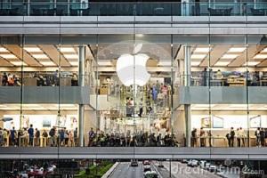 apple-store-hong-kong-china-march-city-center-march-hong-kong-china-very-popular-worldwide-brand-name-34787121